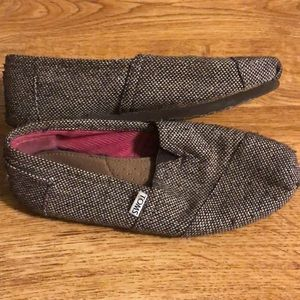Gently used Toms